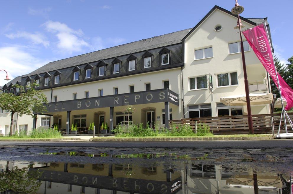 Hotel Le Bon Repos: outside view